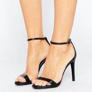 Steve Madden Stecy Black Leather Strappy Heel
